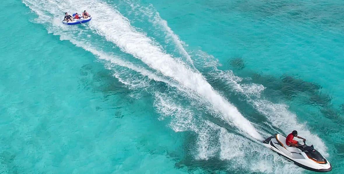 Viaje a Maldivas: paseo en moto de agua