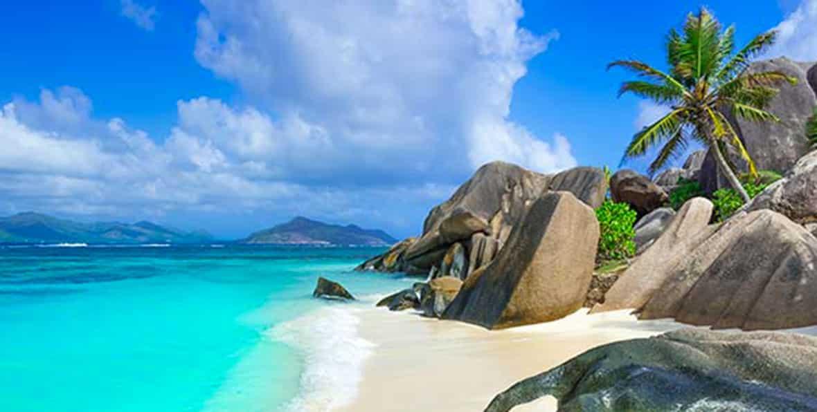 Rocas y playas en el paraìso de Seychelles