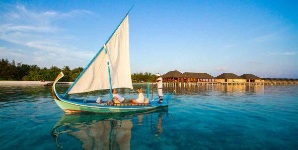 excursión en Dhoni en Summer Island Maldivas