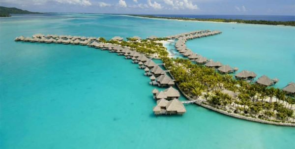 vista aerea de St. Regis Bora Bora Resort