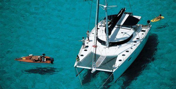 excursión en catamarano en bora bora