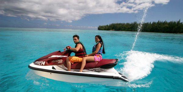 tour de bora bora en moto de agua